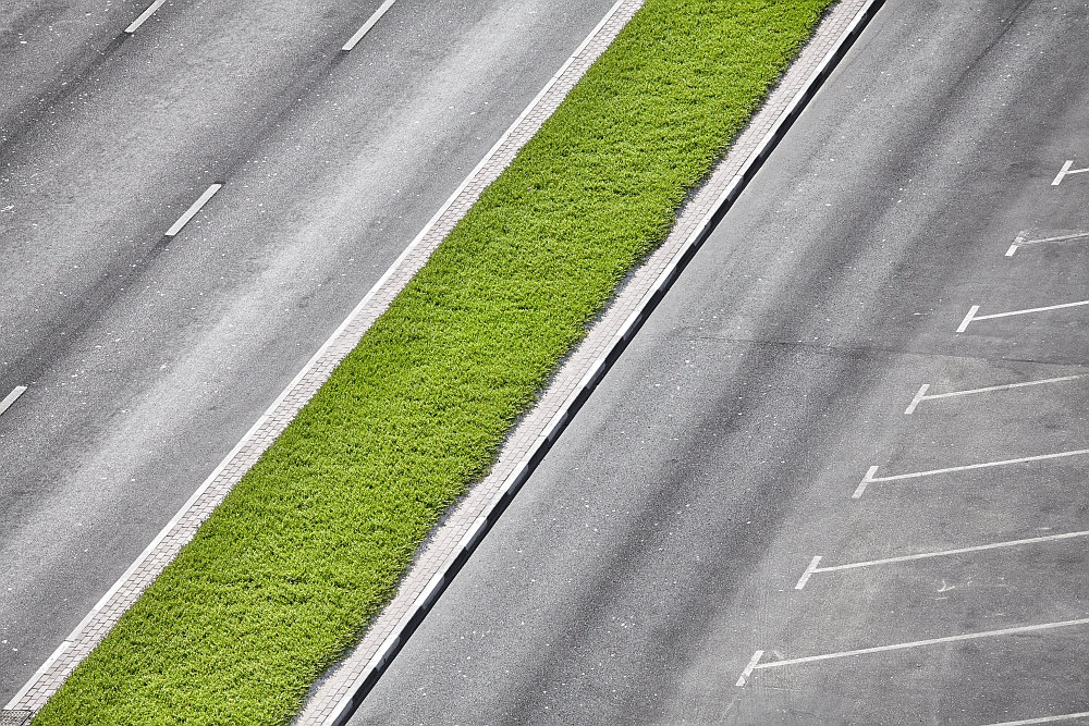 Jak wybrać bezpieczny parking?